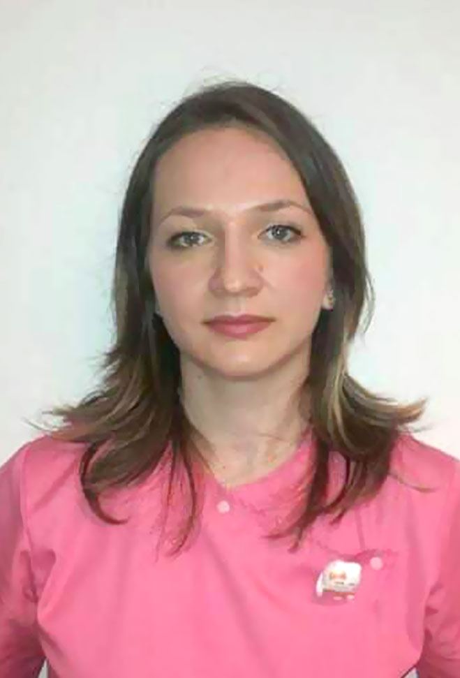 Dr. Andreea Jugravu-Luchiniuc